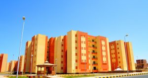 """تنفيذ 864 وحدة سكنية بـ""""الإسكان الاجتماعى"""" والانتهاء من أكثر من 5 آلاف وحدة بمدينة قنا الجديدة"""
