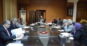 رئيس جامعة بنى سويف يوجه الكليات النظرية بضرورة تفعيل المقرارات الإلكترونية