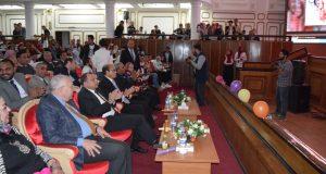 """رئيس جامعة بني سويف يشهد العرض المسرحي """"الحكاية روح"""""""