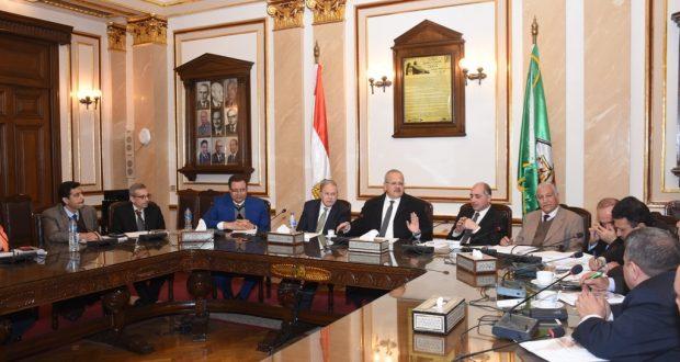الخشت :3مليون جنيه  دعم صندوق الرعاية الطبية لأعضاء هيئة التدريس والعاملين بجامعة القاهرة .