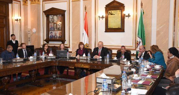 بالصور.. رئيس جامعة القاهرة يلتقي السيدة اليزابيث وايت مديرة المجلس الثقافي البريطاني في مصر والوفد المرافق