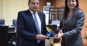 رئيس جامعة بني سويف يستقبل مدير هيئة فولبرايت الأمريكية