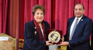 """جامعة بني سويف تحتفل بعيد ميلاد الفنانة """"سميحة أيوب"""" ضمن فعاليات مهرجان المسرح الجامعي"""