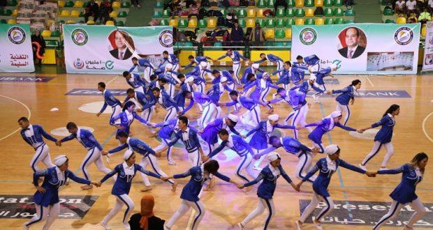 كلية التربية الرياضية ببني سويف  تفوز  بالمركز الثاني في مسابقة العروض للكليات المتخصصة