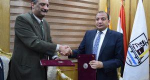 جامعة بني سويف توقع برتوكول تعاون مع رئيس الاتحاد الرياضي المصري للمكفوفين