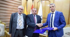 رئيس جامعة بني سويف يوقع بروتوكول تعاون مع جامعة الجزائر 3
