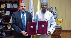 رئيس جامعة بني سويف يوقع مذكرة تفاهم مع جامعة بابا نجيدا بدولة نيجيريا
