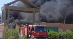 حريق بمخزن شركة مواد غذائية بالشرقية والحماية تدفع ب8 سيارات إطفاء