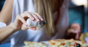 أضرار الملح الزائد فى الطعام على صحتك