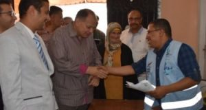 """محافظ الفيوم يتفقد أعمال مبادرة """"نور حياة"""" لمكافحة مسببات ضعف وفقدان الإبصار"""